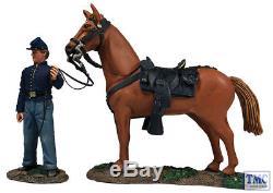 B31269 W. Britain Federal Orderly Holding Horse 2 Piece Set American Civil War