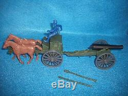 Classic Toy Soldiers Civil War UNION 2 horse Limber and 12lb. Cannon Green
