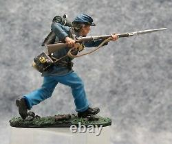Collectors Showcase Civil War Toy Soldiers 20th Mass Advancing CS00415 (#52)