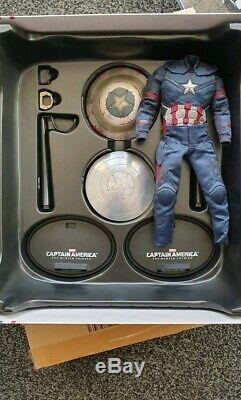 Hot Toys 1/6 Captain America Winter Soldier Steve Rogers + CIVIL War Outfit