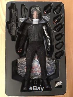 Hot Toys Captain America Civil War Winter Soldier 1/6 Action Figure