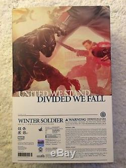 Hot Toys Captain America Civil War Winter Soldier 1/6 Action Figure Box And Body