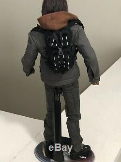Hot Toys Captain America Civil War Winter Soldier Bucky Barnes Figure