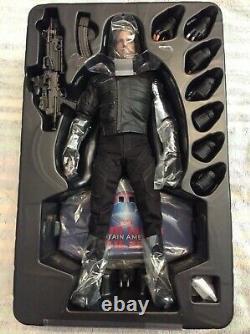 Hot Toys MMS351 Captain America Civil War Winter Soldier Bucky Barnes