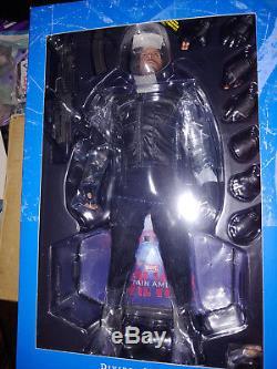Hot Toys MMS351 Captain America Civil War Winter Soldier Bucky NEW