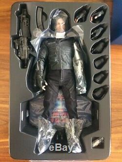 Hot Toys MMS 351 Captain America 3 Civil War Winter Soldier Bucky MINT