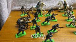 Large Lot Vintage Britains Deetail Civil War Soldiers, Horses, Cannon England