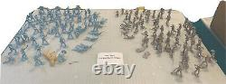 Vintage Civil War Marx Soldiers From The 60s 120 Soldiers Blue And Grey War Men