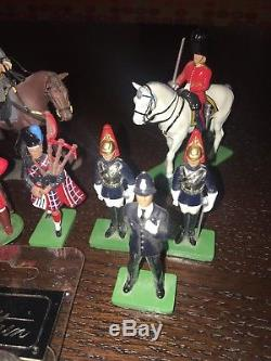 W. Britain Civil War, Grenadier, Highlanders, Large Collection Lot of 11 Pieces